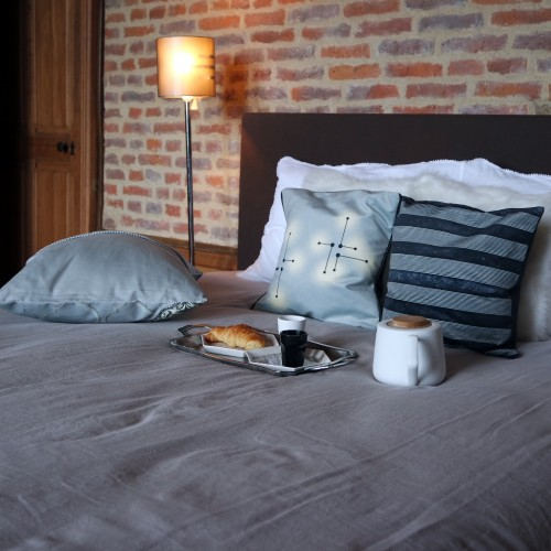 """Cushion cover and its """"Lumières"""" pattern"""