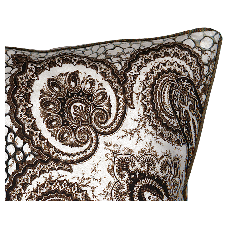 "Zoom cushion cover and its ""Cachemire"" pattern"