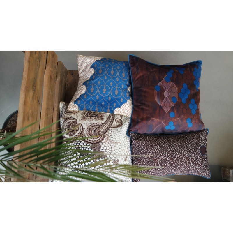 "Cushion cover and its ""Royal"" pattern"