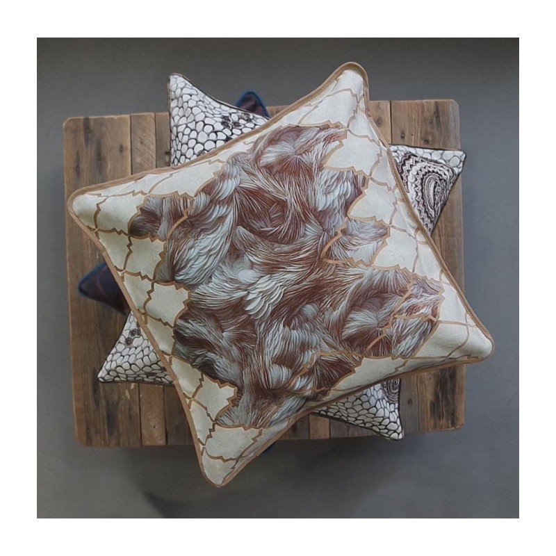 """Cushion cover and its """"Plumes"""" pattern"""